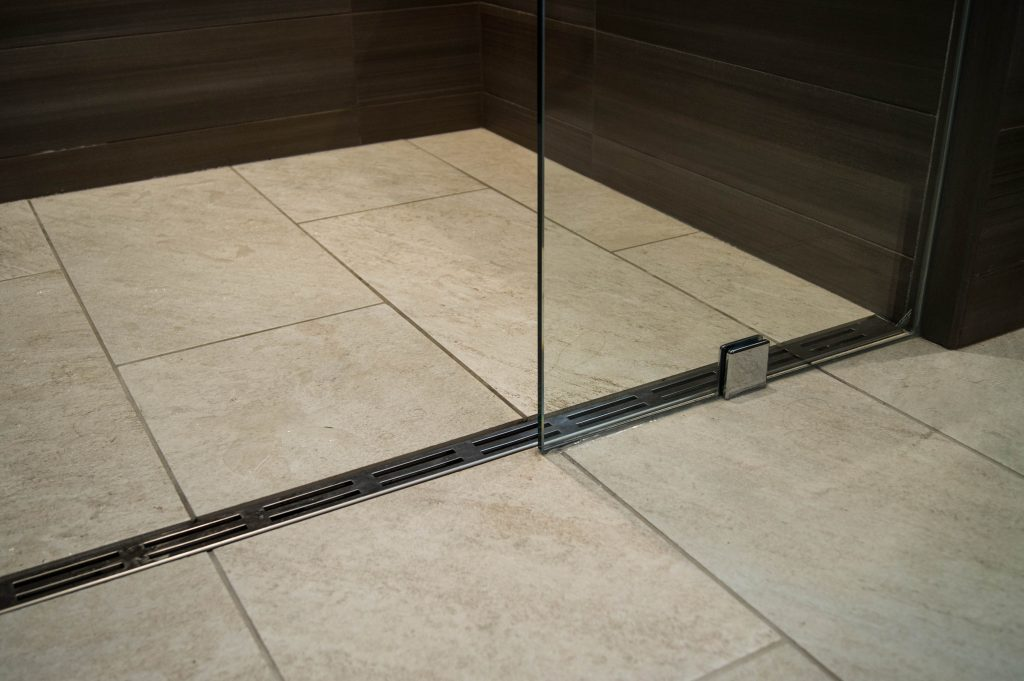 Linear shower