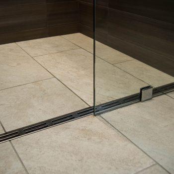 Linear shower
