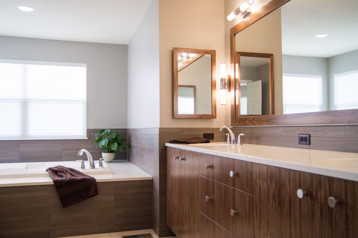 Modern Bath Remodel Highlands Ranch Co Da Vinci Remodeling