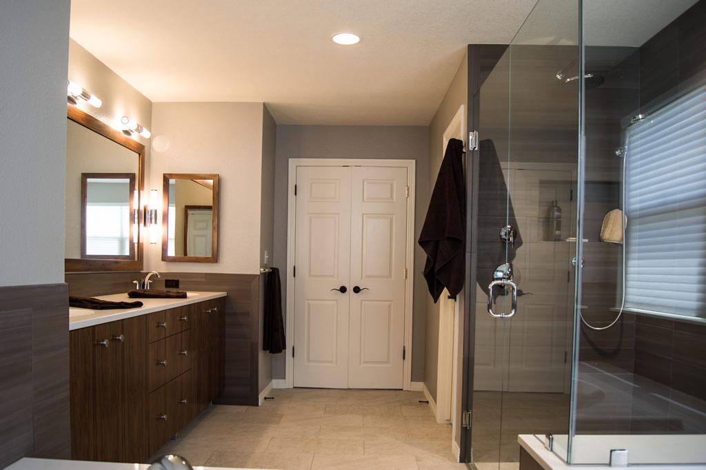 Modern Bath Remodel Highlands Ranch Co Da Vinci